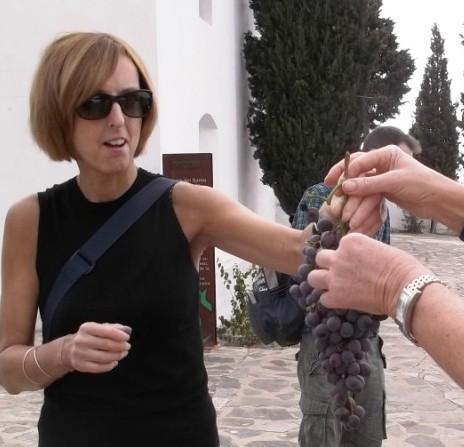 scrumping grapes