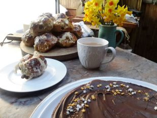 woodfired Easter baking goodies and general deliciousness