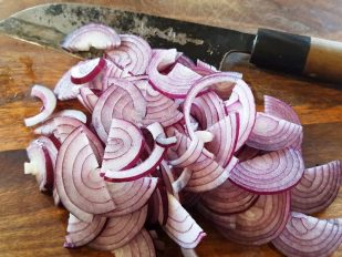 How to make our marinated sweet and sour red onions