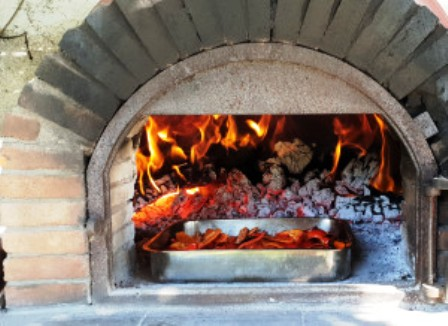 Building a Wood Fired Oven, Alpujarran Style - or How (not) to Build a Clay Oven