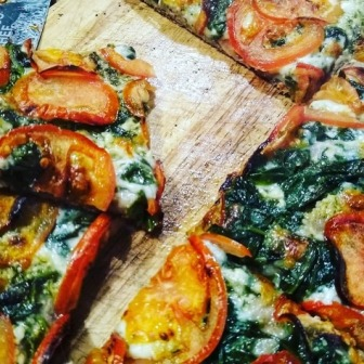 Wholemeal Sicilian Pizza with Pesto and Spinach